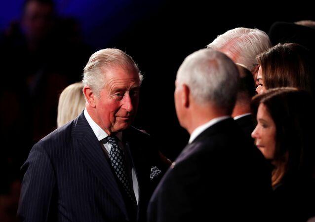 El príncipe Carlos frente al vicepresidente de EEUU, Mike Pence, en Israel