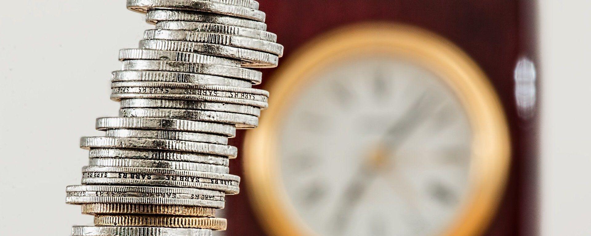 Monedas (imagen referencial) - Sputnik Mundo, 1920, 05.04.2021