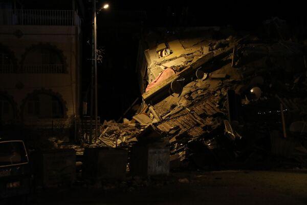 Consecuencias del terremoto que dejó decenas de muertos en Turquía - Sputnik Mundo
