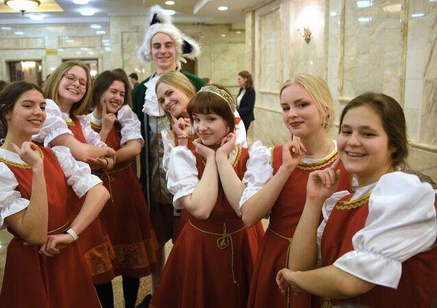 Estudiantes de la Universidad Estatal de Moscú durante las celebraciones del Día del Universitario