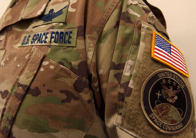 El uniforme de la Fuerza Espacial de EEUU