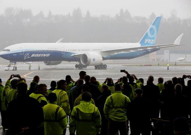 El Boeing 777X concluye con éxito su primer vuelo en EEUU