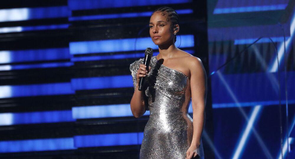Alicia Keys, cantante estadounidense