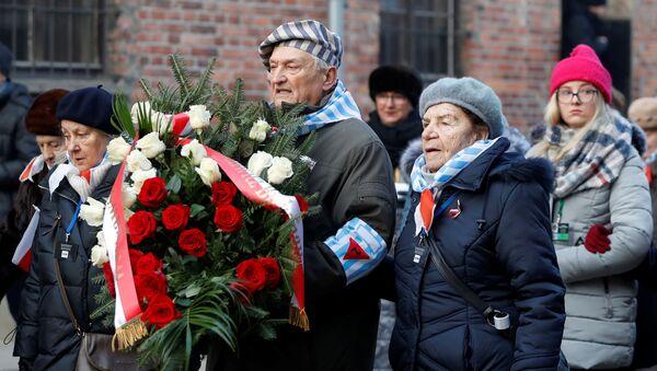 Las actividades dedicadas al 75 aniversario de la liberación de los presos de Auschwitz - Sputnik Mundo