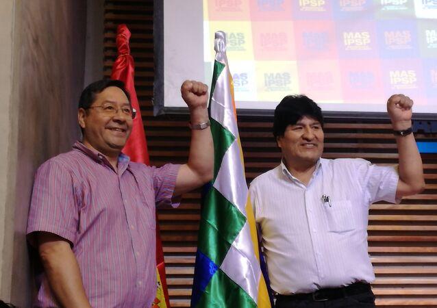 Luis Arce, candidato presidencial del Movimiento Al Socialismo, y Evo Morales, expresidente de Bolivia