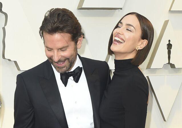 Irina Shayk junto a Bradley Cooper