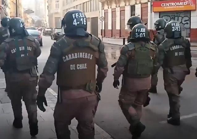 Chile: la Policía usa cañones de agua para dispersar a los manifestantes