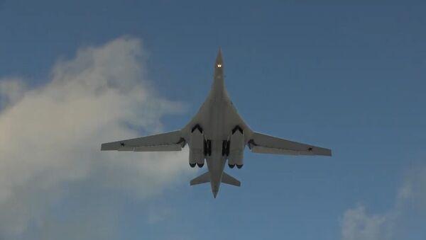 Así los jóvenes pilotos de Rusia manejan los Tu-160 - Sputnik Mundo