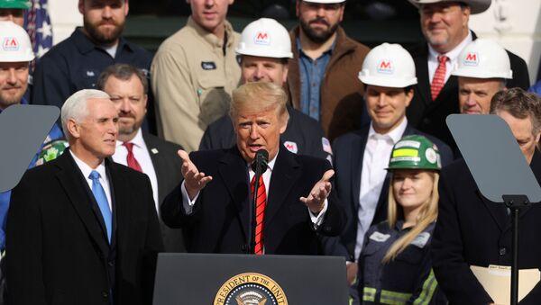 Donald Trump, presidente de EEUU en la ceremonia de la firma del acuerdo comercial (T-MEC) entre México, EEUU y Canadá en la Casa Blanca - Sputnik Mundo