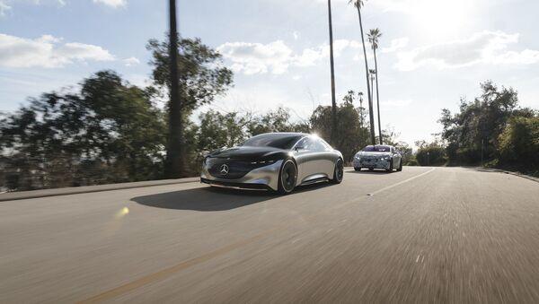 El Mercedes-Benz Vision EQS - Sputnik Mundo