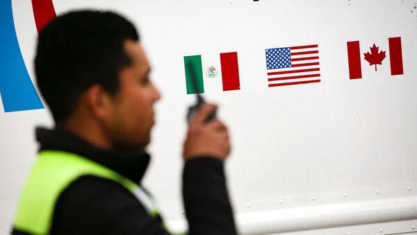 Banderas de México, EEUU y Canadá  - Sputnik Mundo