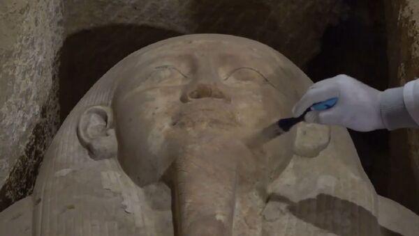 Sarcófagos, momias y cráneos: desvelan 16 antiguas tumbas de sacerdotes en Egipto - Sputnik Mundo