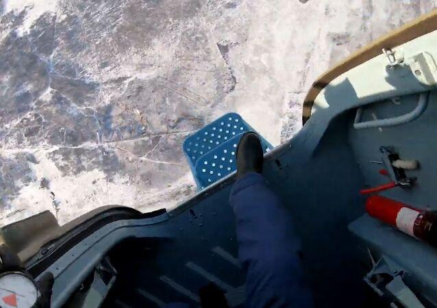 Saltos vertiginosos: cómo se abandona una aeronave en caso de emergencia