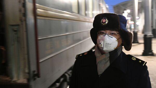 Conductor del tren chino en Rusia - Sputnik Mundo