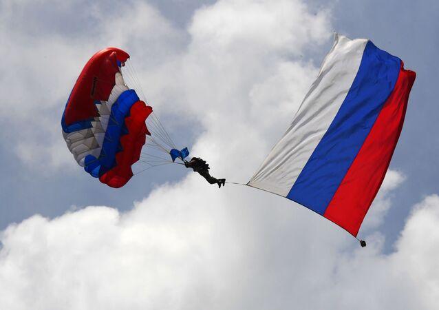 Un paracaidista de las Forzas Aerotransportadas de Rusia