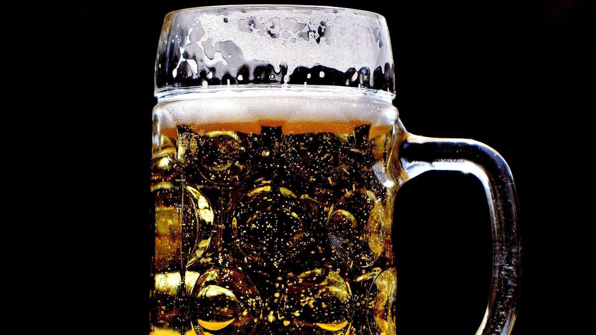 Cerveza (imagen referencial) - Sputnik Mundo, 1920, 25.06.2021