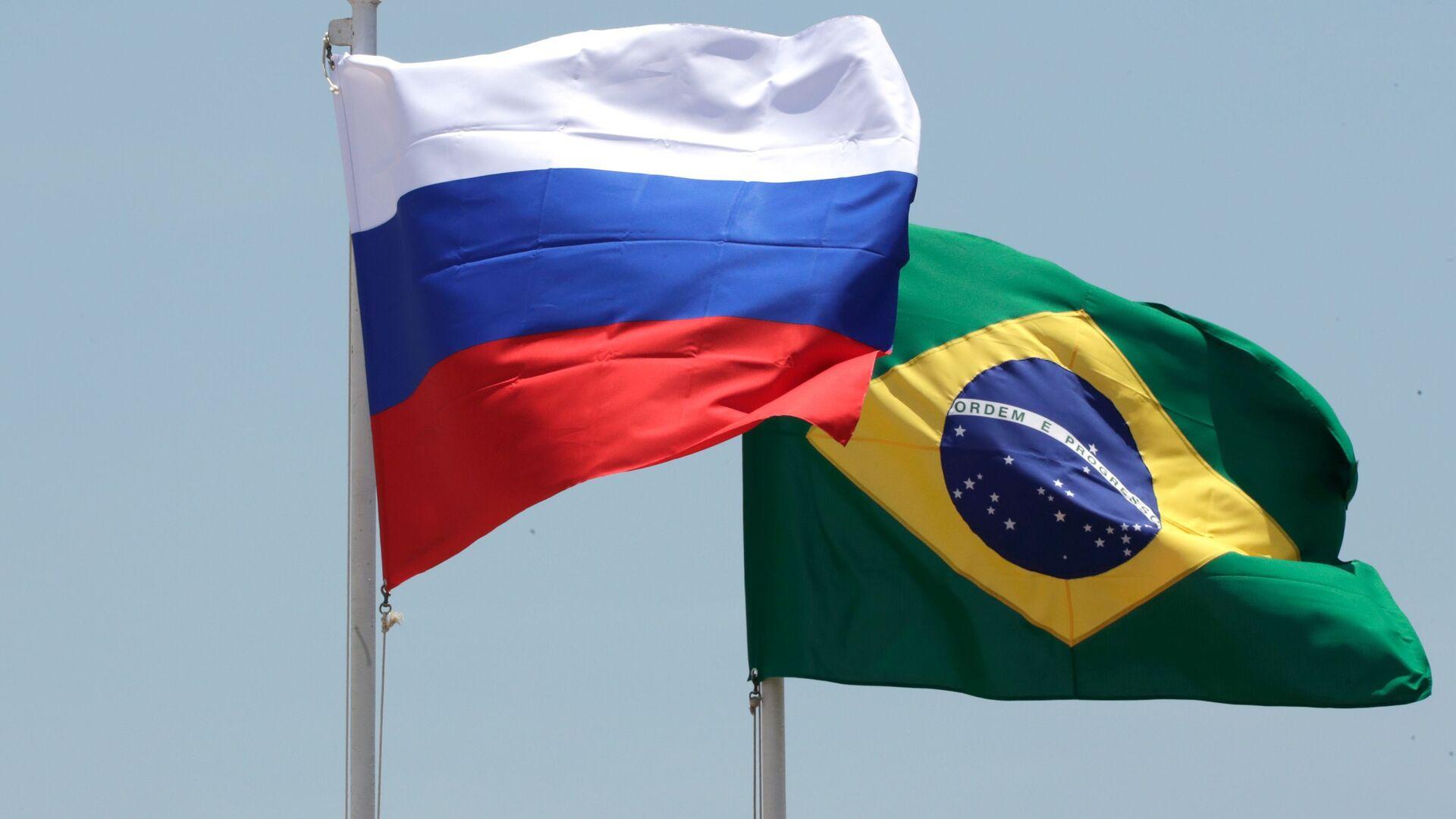 Las banderas de Brasil y Rusia - Sputnik Mundo, 1920, 02.07.2021