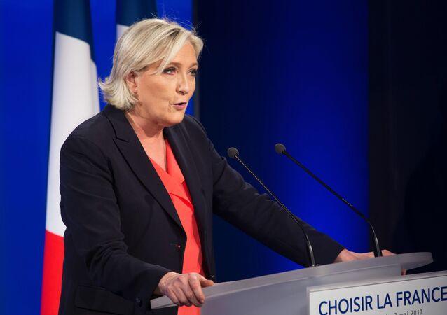 Marine Le Pen, política francesa, líder del partido Agrupación Nacional