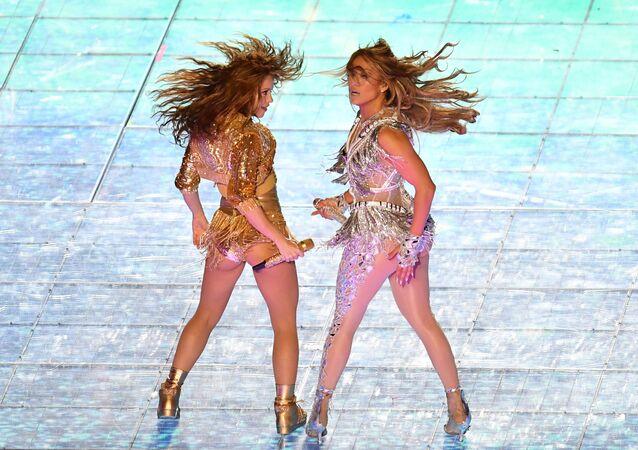 Desde Shakira y JLo hasta Madonna y Britney: los dúos femeninos que te dejarán sin aliento