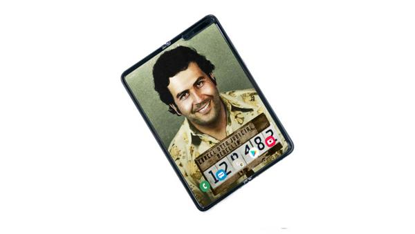 Escobar Fold 2, el 'smartphone' plegable de Escobar Inc. - Sputnik Mundo