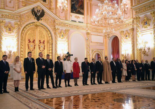 La ceremonia de entrega de cartas credenciales por los embajadores en el Kremlin