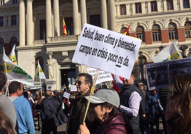 Los agricultores y ganaderos de España protagonizan una nueva jornada de protestas