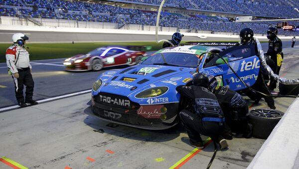 Un bólido de carreras Aston Martin Vantage GT3 (imagen referencial) - Sputnik Mundo