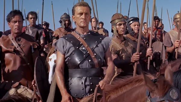 Kirk Douglas en 'Espartaco' - Sputnik Mundo