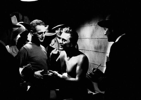Kirk Douglas, el mito de la era dorada de Hollywood - Sputnik Mundo