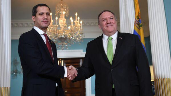 El líder opositor venezolano Juan Guaidó y el secretario de Estado de EEUU, Mike Pompeo - Sputnik Mundo