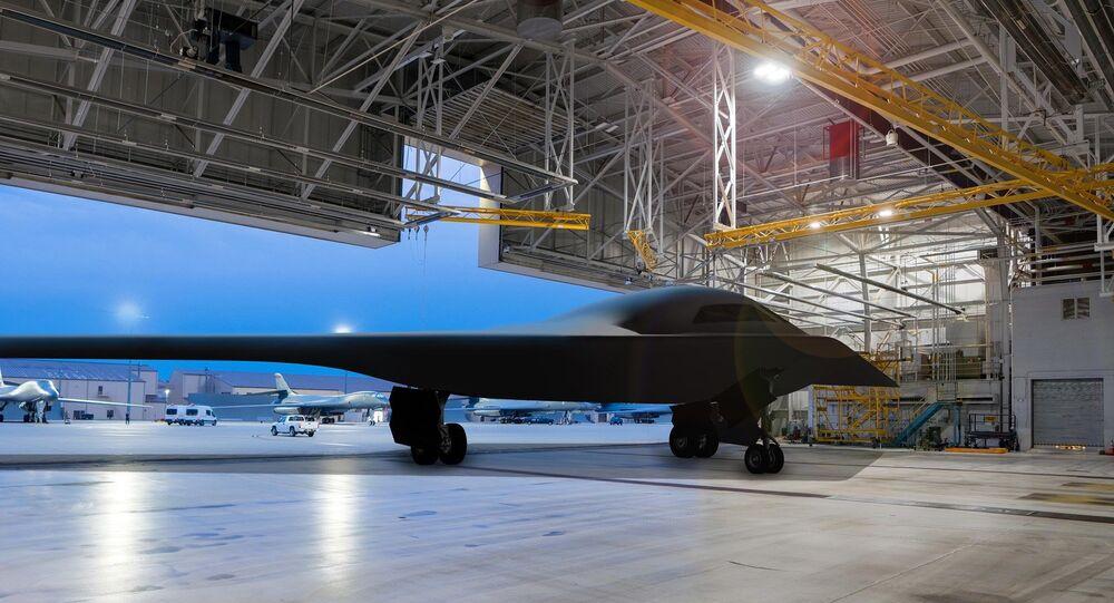 Ilustración del bombardero B-21 Raider en la base aérea de Ellsworth