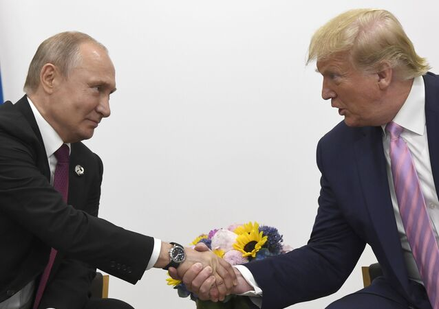 El presidente de Rusia, Vladímir Putin junto a su homólogo de EEUU, Donald Trump