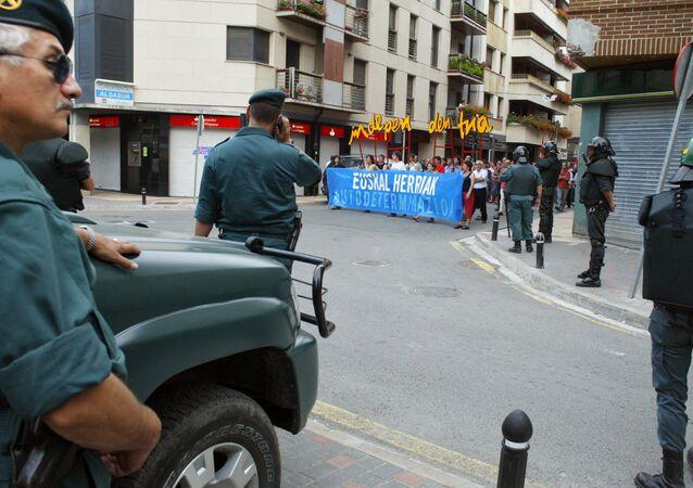 Guardia Civil en Alsasua durante una manifestación independentista
