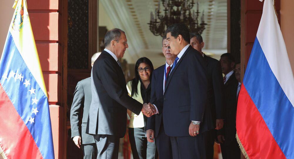 El cancileer ruso, Serguéi Lavrov, y el presidente de Venezuela, Nicolás Maduro