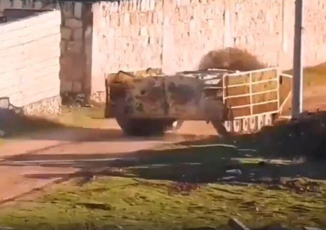 Un terrorista suicida en un BMP modificado