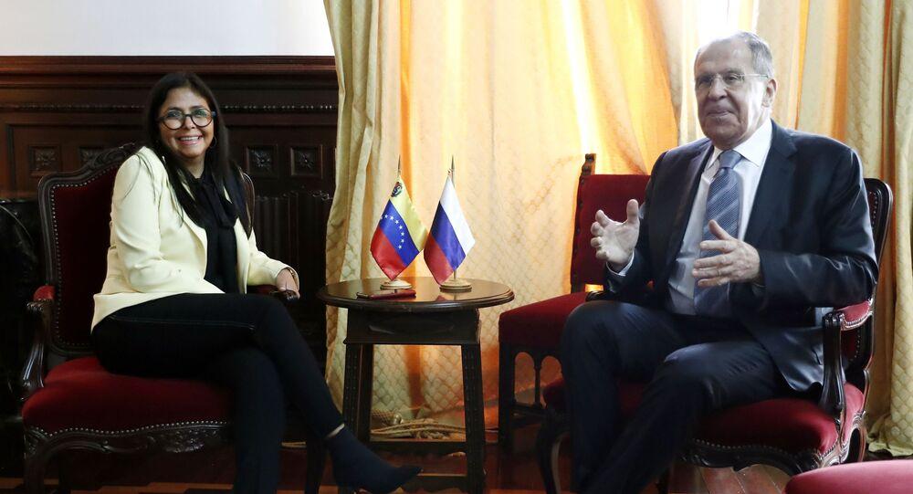 Delcy Rodríguez, vicepresidenta de Venezuela, y Serguéi Lavrov, canciller de Rusia