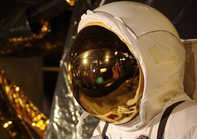 Un traje espacial, imagen referencial