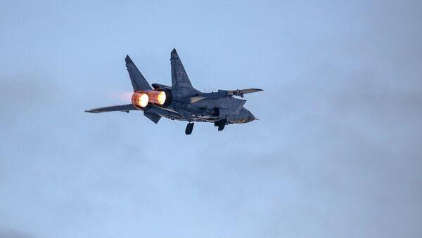 Un MiG-31 ruso (archivo) - Sputnik Mundo