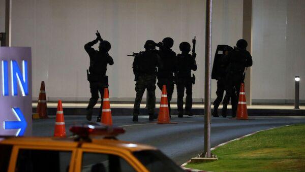 Las fuerzas de seguridad de Tailandia en el lugar del tiroteo - Sputnik Mundo