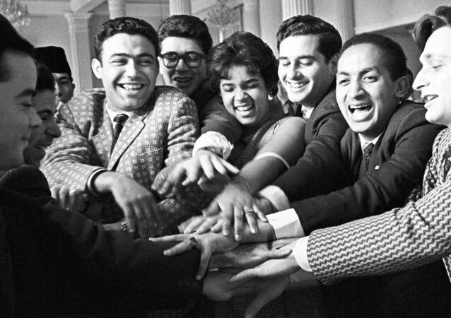Unos estudiantes de la Universidad de la Amistad de los Pueblos en 1962