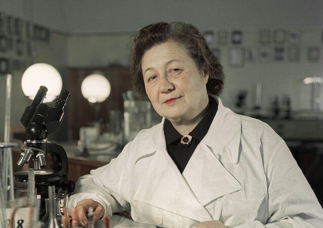 Zinaída Iermólieva, médica soviética especializada en microbiología y epidemiología