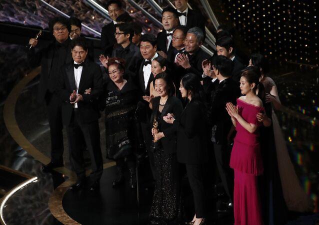 El equipo de la película surcoreana 'Parásitos'