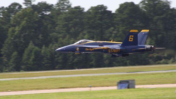 Una aeronave Blue Angels de la Armada de los EEUU - Sputnik Mundo