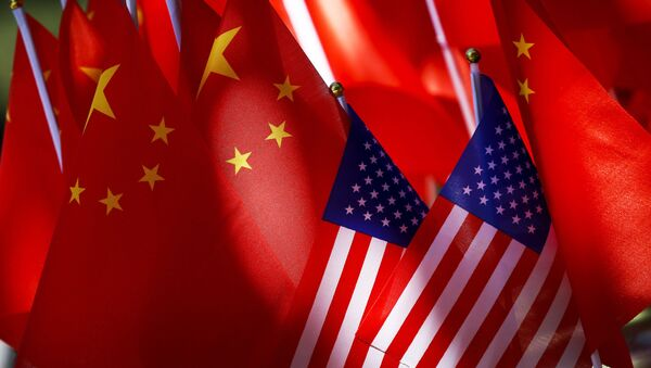 Banderas de EEUU y China - Sputnik Mundo