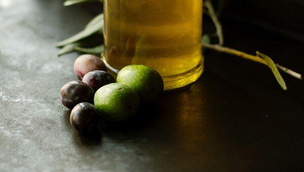 Aceite de oliva (imagen referencial) - Sputnik Mundo