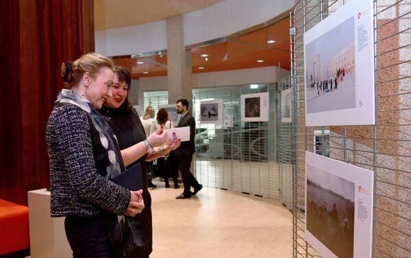 La exposición de fotos de ganadores del concurso Andréi Stenin 2019 en Estrasburgo - Sputnik Mundo