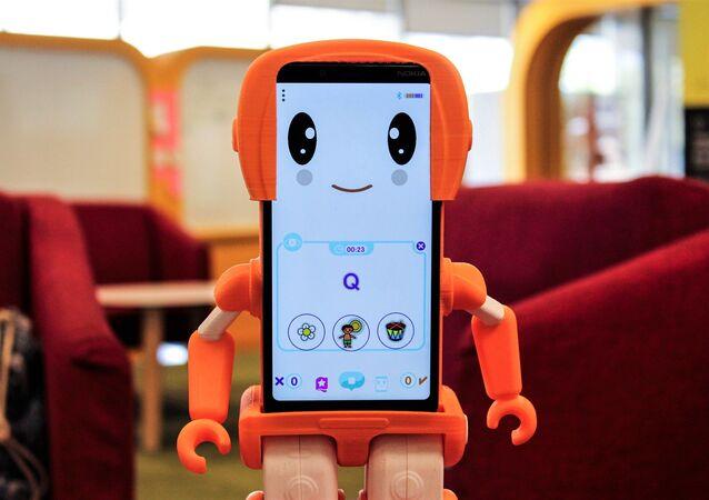 SIMA, el primer robot social educativo hecho en América Latina