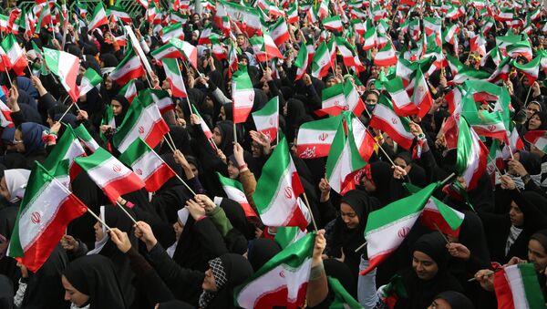 Celebración del aniversario de la Revolución islámica en Teherán, Irán - Sputnik Mundo
