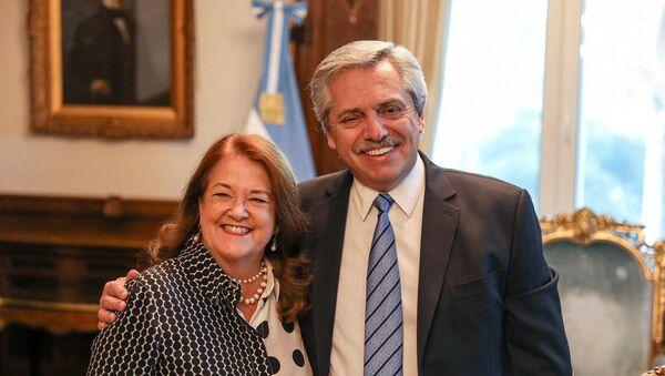 La nueva embajadora argentina en Rusia, Alicia Castro, y el presidente argentino, Alberto Fernández - Sputnik Mundo