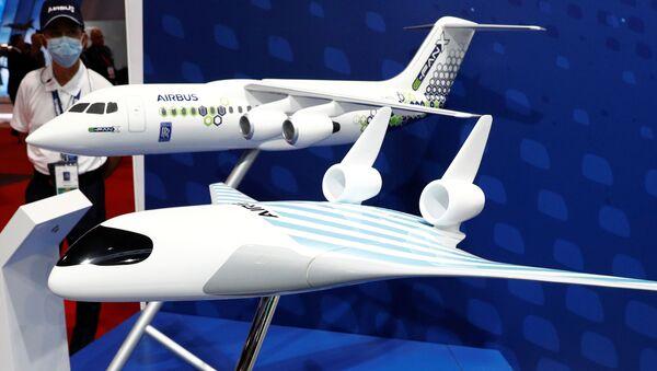 Un demostrador tecnológico a escala de un avión del futuro de Airbus, Maveric, diseñado en forma de ala triangular - Sputnik Mundo